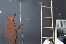 Kinderzimmer / Dekoration und Einrichtung für das Babyzimmer, Kleinkindalter und das Kinderzimmer im Schulkindalter, Grundschule, Hobbies der Kinder, Möbel, schöne Bilder und Poster, Kuscheltiere, Spielzeug, Holz und Naturmaterialien, und viel bunte Farbe!