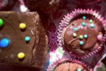 Kekse und Plätzchen / Lecker schmecker Zuckerbäcker! Wir backen gerne Kekse, Plätzchen, Muffins, kleine süße Leckereien aus dem Backofen und raw! Cookies und Cupcakes für Schleckermäulchen!