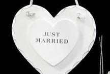 Matrimonio tema LOVE! / Accessori per un matrimonio a tema romantico ricco di cuori e simboli del sentimento più bello della vita!