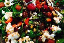 Creative Salads & Greens / Ensaladas creativas, originales y divertidas. Con todo tipo de ingredientes: con frutas, verduras, pescados, legumbres y con aliños diferentes.  / by Tres XLibre