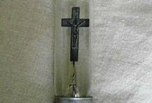 religious items / de petits objets à relation religieuse, mais tellement jolis.. alors pourquoi pas chez soi?