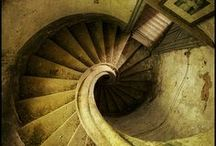 spiral (and strange)  stairs / des escaliers peu communs