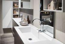 Edoné Design GIUNONE / mobili bagno sospesi dalle linee morbide ed eleganti