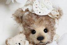 "My lastest ""Wiba-bears"" / http://atelier-wiba-baer.blogspot.de/ +  http://www.bearpile.com/artist/2355"