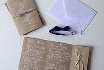 Eko story - zaproszenia / http://minwedding.pl/blog/?p=2526  #ręczniepisanezaproszenia #kaligraficzne #calligraphy #new #biały #eco #boho #szary #zaproszenia #minwedding #ślubzminwedding #ślub #wesele #wedding #weddinginvitations #invitations #nowości #ekostory #szarypapier #rustykalne #wiejskiewesele