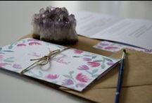"""""""Polne kwiaty"""" - zaproszenia / No1 - fioletowo różowe, romantyczne zaproszenia ślubne z kwiatami ~~~ No2 - pomarańczowo, czerwono różowe, słoneczne zaproszenia ślubne z kwiatami ~~~ kolekcja 2015 by minwedding ~~~ motyw przewodni: łąka, plenerowy ślub, kwiaty, boho, akwarele ~~~ kolory przewodnie: filet, róż i zieleń oraz czerwień, róż, pomarańcz i zieleń ~~~ projekt, wykonanie, zdjęcia: minwedding more on: http://minwedding.pl/blog/?p=3677 ~~~ zaproszenia zaproszenia ślubne wedding invitations"""