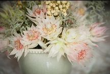 Flower Design / Inspiration flower arrangements and bouquets for weddings and events.