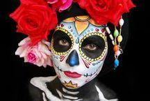 Sugar Skull / Day of the dead, sugar skull schminken. Inspiratie voor Halloween of Carnaval. Kijk voor uitleg en producten op onze site: http://www.starmagic.nl/halloween/halloween-sugar-skull-schmink