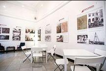 STACJA MURANÓW - WARSAW / Stacja Muranów to miejsce, w którym spotka się kultura, sztuka i biznes. To również niebanalne miejsce spotkań i dyskusji. Mamy na swoim koncie zorganizowanych kilkadziesiąt: konferencji, wernisaży, dyskusji, promocji książek i szkoleń. Nasza sala może pomieścić 50 osób. Zaplecze kawiarniane umożliwia obsługę cateringową. Zapewniamy pyszną kawę, wi-fi oraz nagłośnienie.