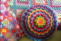 Crocheting and knitting / by Lota Carolina Aisling