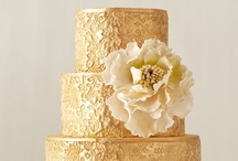 Metallic Cakes / Cakes with gold, silver, copper, or any other metallic elements.