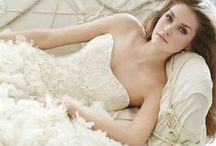 Wedding Dresses / by Kaitlyn Oates