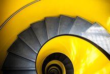 Escaleras Caracol ¡Qué belleza! / Escaleras de diferentes materiales para casas y edificios con varios pisos. / by Dinorah Jiménez Siles