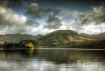 Loch Lomond, The Trossachs & Stirling Castle / Our one day tour from Edinburgh takes you sightseeing to Loch Lomond, the Trossachs National Park and Stirling Castle, and introduces you to the land and legends of Scottish heroes William Wallace and Rob Roy.
