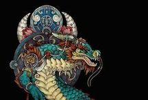 """Drákōn (Es) / El dragón (del latín draco, y este del griego δρακων, drákōn, 'víbora' o 'serpiente'), animal mitológico que aparece en diversas formas en varias culturas de todo el mundo, con diferentes simbolismos asociados: """"dragón, serpiente de gran tamaño, o serpiente de agua"""", que probablemente viene del verbo δρακεῖν """"ver claramente"""