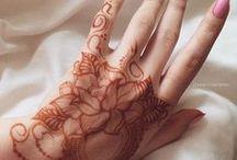 Tatouages / Tatouages au henné, tatouage à l'encre et bodypainting
