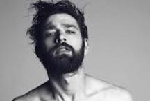 Men should be men / Il fascino bohemien della barba un po' incolta... Bearded men are having their moment!
