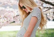 Estilo na gravidez / Inspirações de estilo para gestantes. Moda para grávidas. Mais em www.maternidadehoje.com