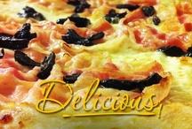 Pizza al Metro / Pizza al metro: dimentica la classica forma rotonda e l'obbligo di dover scegliere. Il piatto più famoso della tradizione italiana a Chick&Co si misura con il righello! Con gli amici, decidi gli ingredienti che preferisci: ognuno potrà avere il proprio assaggio, non facendosi mancare proprio nulla! www.chickenco.it