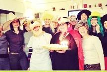 """Feste e eventi a tema al Chick&co - la galletteria di Pietramurata in trentino / GIOVEDI' GRASSO ( 7 febbraio 2013) per la #super cena mascherata. Premi per tutti!  1°PREMIO: il piatto """"del galletto"""" per la maschera più bella 2°PREMIO: 1 metro di pizza per il gruppo mascherato più numeroso e divertente  3° PREMIO: gadget del chicketto per tutti!  Alle 23.30 carnevaliamo assieme con grostoli e castagnole.  Super serata di carnevale in compagnia e in allegria!"""