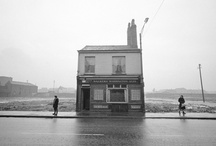 Precious Cargo's Pub / Water, pubs and things from the past