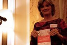 Paula Wynne`s Book Launch - (How to Create a successful Website) / *****(How to Create a successful Website) ****   http://www.amazon.co.uk/Create-Successful-Website-Yourself-Success/dp/1907498354   Congratulations to Paula on her first book receiving so many good vibes from people and industry all around, reaching a staggering number 1 on amazon in the first week, I went down to make a short Film and photography of everyone that came to HSBC in London for the book launch.   Location : HSBC Interior St James Place London  Camera: Cannon 550d   www.kentwynne.com