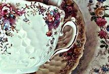 Fajanszok-Porcelánok / Szívemnek kedves fajanszok,porcelánok fotói.