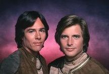 BATTLE STAR GALACTICA OLD AND NEW / OLD SERIES AND NEW SERIES