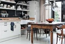 I would love to cook in that kitchen