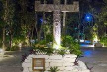 """LA CRUZ PARLANTE - Ceremonia Maya de Develación. / Ceremonia Maya de develación de """"La Cruz Parlante"""" (*) del artista Gregory Pototsky. La ceremonia de develación  se realizó el pasado 22 de Enero de 2014, en Aldea Zamá, Tulum, Quintana Roo.  (*) La Cruz Parlante es para Quintana Roo el símbolo supremo de lo sagrado, funciona como un intermediario entre Dios y los hombres."""