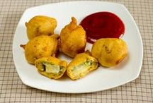 Cheese Olive balls recipe / Cheese Olive balls recipe was a bit challenge as to how to ensure that melted cheese remain inside while being deep fried and thus every bite of cheese olive balls or pakoda was just perfect desi(Indian) from outside and a true western taste inside.