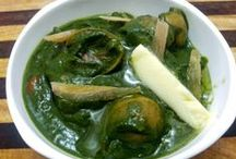 Olive spinach curry recipe / Spinach or palak based curry recipes are very popular in India and palak paneer, palak ghosht, aloo palak are preferred across India.Olive spinach curry recipe is an Indian fusion curry recipe which can taste just perfect with dinner breads as well as rice.