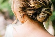 Coiffures // hairstyles / hairstyles, hairstyle, wedding hairstyles, prom hairstyles, coiffure, coiffures, tuto coiffure, tresse, chignon, coiffure tresse, coiffure mariage, coiffure simple,