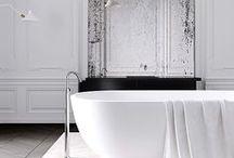 Salles de bains / Découvrez en image la vision de la salle de bains par Lignes Intérieures. Un univers design, épuré, et des salles de bains modernes conçues sur mesure..