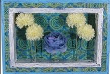 "COLOREL - ""Ornamente blau"" / Ein Blickfang für jede Wand: http://www.colorel.de/store/rahmen-mit-blumenvasen/rahmen-ornamente-blau/"