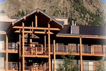 For Rent:Robin's Crested Butte Condo  / Robin's Crested Butte condo in Crested Butte Colorado has 4 bedrooms and a loft and is ski in and out. Beautiful views, huge decks, big fireplace. Lovely vacation rental.