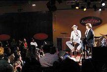 """Il fan club é chiuso. viva il fan club! / Il 5 ottobre 2003 chiude il fan club. Lorenzo organizza il raduno presso il locale """"social club"""" un incontro di saluto.   info: http://www.collettivosoleluna.net/?p=11012"""