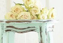 How to Paint Furniture / Rescued furniture treasures need love, and usually some fun new paint. These tips will come in handy.