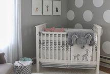 """Nesting / Ideas con pintura                                     Powered by Comex / Si estas embarazada y un buen día sientes un deseo profundo de pintar, organizar cajones y los closets, reproducir en casa todo lo que ves en Pinterest… tranquila.  No estás loca: se llama """"nesting"""" y es el instinto de preparar todo para la llegada del bebé.  Powered by Comex.  Te compartimos en este board ideas para decorar en grande con un solo elemento: pintura. #Anidandoacolor #BebéEnCamino #YavieneElBebé #EsperandoAColor"""