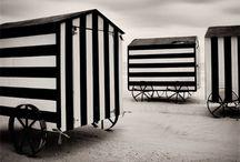 Stripes Black&White / Seems to me stripes are coming up again in fashion and interior design. Alles schwarzweiß gestreift auf diesem Board Me: www.missbartoz.de