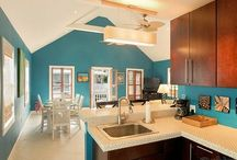 Inspired Key West Kitchens & Kitchen ideas / Beautiful Key West kitchens and styles to inspire your own island style dream kitchen. Look for your Key West #vacation rental dream kitchen among these beautiful photos.