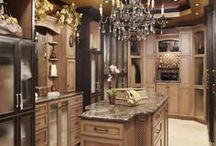 Luxurious Closets / by Lindsey Curtis
