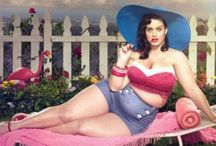 Pinups curvy Girls / Pin ups, Drawings and photopraphie from curvy women plussize fashion for curvy ladies, #fatshion with real women, plussizemodels - Mode und Styling in großen Größen  More: www.missbartoz.de