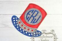 4th of July Iron on fabric appliques for the perfect holiday shirt / Need to create a great holiday shirt for your little one? Here are some great July 4th patches that are easy to apply. Create that unique patriotic garment in minutes.
