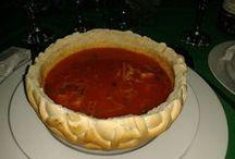 Food & Drink that I love / Supa gulas, servita in paine!