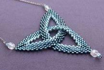Šperky z korálků - inspirace / zajímavé šperky pro inspiraci