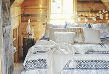 Cozy life / Cozy life, Cozy deco, Wood, Candles, Winter, Cold, Tea, Coffe & Millk, Rainny Days, Cozy Sundays.