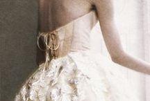Au pays des merveilles / Fleurs ou dentelle pour une Mode Marie-Antoinette