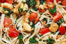 Dinner Recipes / Find a variety of easy healthy dinner recipes that you can get on the table in an hour or less.