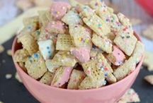 Snack recipes / Looking for the best Snack recipes? This board is filled with top rated snack recipes that are so easy to make.
